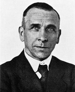 487px-Alfred_Wegener_ca.1924-30