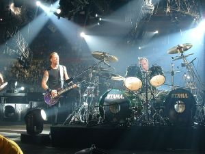 800px-Metallica_46