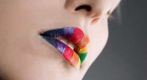 awesome-candy-glossy-rainbow-lips-13